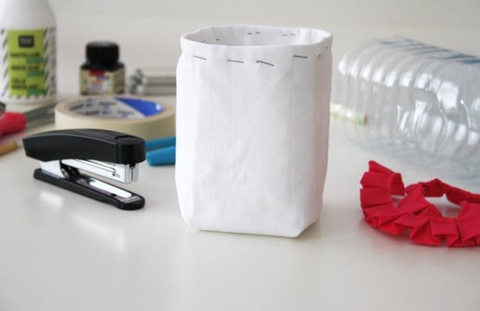 how to make pen holder using plastic bottle