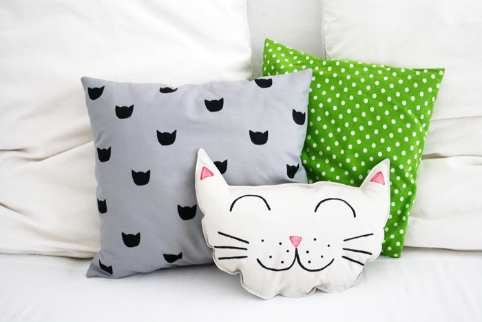 DIY: Kitty Cat Pillow Set (Sewing and Printing Project ...