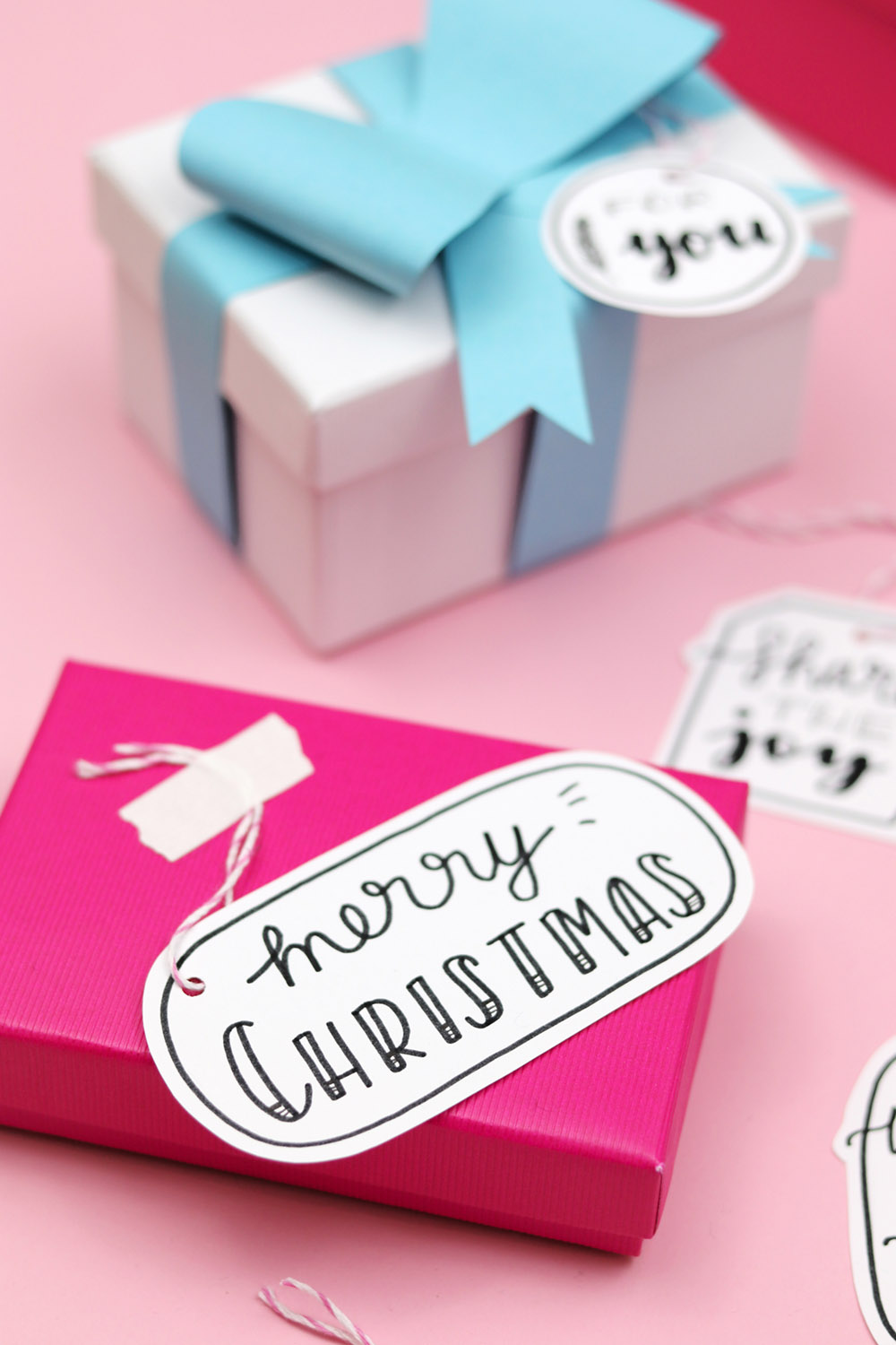 Free Handlettering Printable for Christmas Gift Tags via Luloveshandmade