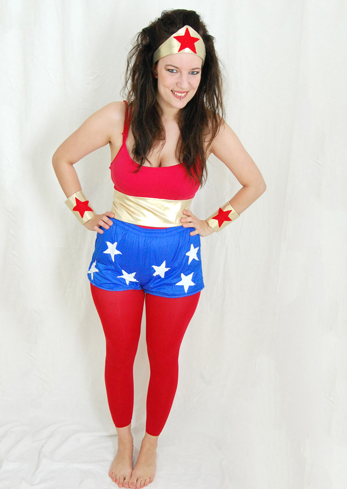 Luloveshandmade-Easy DIY Costumes-Kostüm selbermachen-10a-Wonder Woman