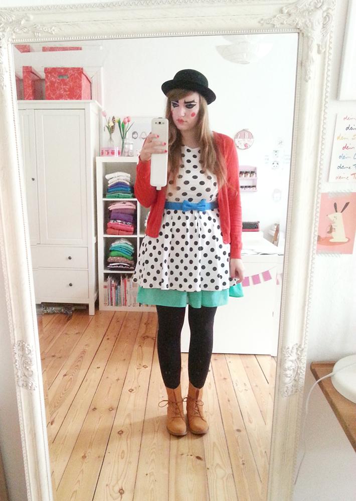 Luloveshandmade-Easy DIY Costumes-Kostüm selbermachen-10b-Harlekin