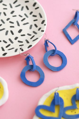 Luloveshandmade-DIY-Statement-Earrings-with-FIMO-leather-effect-28